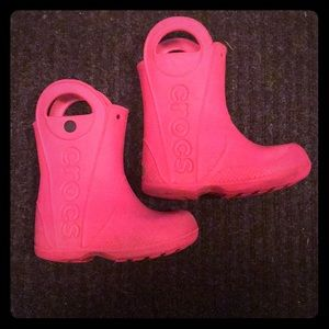 "Crocs toddler 9 ""Handle It"" rain boots pink"
